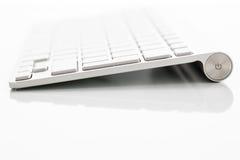 Σύγχρονο keybord σε έναν άσπρο πίνακα Στοκ φωτογραφίες με δικαίωμα ελεύθερης χρήσης
