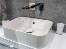 Σύγχρονο washbasin λουτρών Στοκ φωτογραφία με δικαίωμα ελεύθερης χρήσης