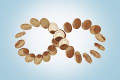 Σύμβολο απείρου φιαγμένο από bitcoins, μπλε Στοκ Εικόνες