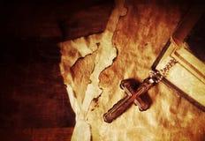 Σύμβολο Ιησούς Cross θρησκείας χριστιανισμού και Βίβλος Στοκ φωτογραφία με δικαίωμα ελεύθερης χρήσης