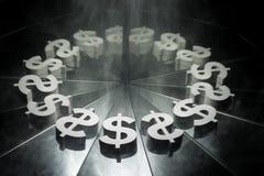 Σύμβολο νομίσματος αμερικανικών δολαρίων στον καθρέφτη και καλυμμένος στον καπνό στοκ φωτογραφία με δικαίωμα ελεύθερης χρήσης