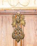 σύμβολο ancientness Μέταλλο Πόρτα Ξύλινος στοκ εικόνα με δικαίωμα ελεύθερης χρήσης