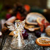Σύμβολα Χριστουγέννων όπως το χιόνι, τα καρύδια, και τα μούρα Στοκ Εικόνες
