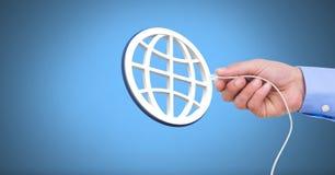 Σύνδεση καλωδίων εκμετάλλευσης χεριών με το εικονίδιο παγκόσμιων δικτύων Στοκ Εικόνα