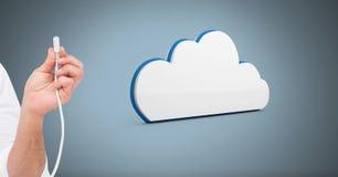 Σύνδεση καλωδίων εκμετάλλευσης χεριών με το σύννεφο Στοκ Φωτογραφίες