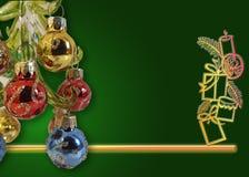 Σύνθεση διακοπών Χριστουγέννων στο πράσινο υπόβαθρο Κομψή ευχετήρια κάρτα Χριστουγέννων στοκ φωτογραφίες