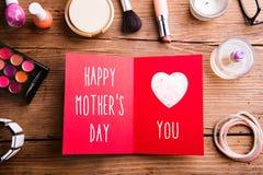 Σύνθεση ημέρας μητέρων Προϊόντα ομορφιάς εδάφους ευχετήριων καρτών Στοκ φωτογραφία με δικαίωμα ελεύθερης χρήσης