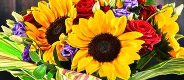 Σύνθεση με την ανθοδέσμη των λουλουδιών Στοκ φωτογραφία με δικαίωμα ελεύθερης χρήσης