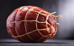 Σύνθεση με το κομμάτι του ζαμπόν Προϊόντα Meatworks στοκ φωτογραφία με δικαίωμα ελεύθερης χρήσης