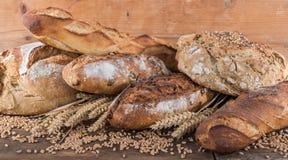 Σύνθεση των διάφορων ψωμιών Στοκ εικόνα με δικαίωμα ελεύθερης χρήσης