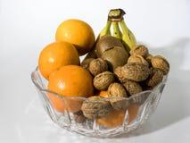 Σύνθεση φρούτων σε ένα γυαλί κρυστάλλου Στοκ φωτογραφίες με δικαίωμα ελεύθερης χρήσης