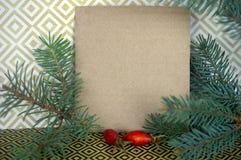 Σύνθεση Χριστουγέννων με ελεύθερου χώρου για τα συγχαρητήρια Spruc στοκ εικόνες με δικαίωμα ελεύθερης χρήσης