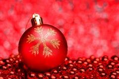 Σύνθεση Χριστουγέννων σε ένα λαμπρό μουτζουρωμένο υπόβαθρο Στοκ Φωτογραφία