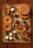 Σύνθεση marshmallow, μπισκότα μπισκότων, αστέρια anisetree, CI Στοκ εικόνα με δικαίωμα ελεύθερης χρήσης