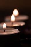 Σύνθεση SPA με τα κεριά αρώματος σε ξύλινο Επεξεργασία, aromatherapy Στοκ εικόνες με δικαίωμα ελεύθερης χρήσης