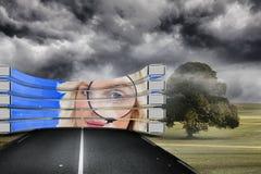 Σύνθετη εικόνα ξανθού με την ενίσχυση - γυαλί στην αφηρημένη οθόνη Στοκ Φωτογραφία