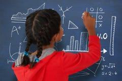 Σύνθετη εικόνα οπισθοσκόπου του κοριτσιού με την πλεγμένη κιμωλία εκμετάλλευσης τρίχας ελεύθερη απεικόνιση δικαιώματος