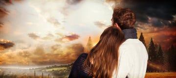 Σύνθετη εικόνα στενού επάνω οπισθοσκόπου του ρομαντικού ζεύγους Στοκ εικόνα με δικαίωμα ελεύθερης χρήσης
