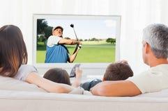 Σύνθετη εικόνα της άποψης ενός παίζοντας γκολφ ατόμων στοκ εικόνα με δικαίωμα ελεύθερης χρήσης