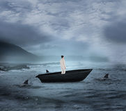 Σύνθετη εικόνα της ασιατικής επιχειρηματία sailboat Στοκ φωτογραφία με δικαίωμα ελεύθερης χρήσης