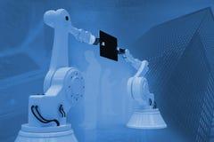 Σύνθετη εικόνα της γραφικής εικόνας των ρομπότ με την ταμπλέτα υπολογιστών τρισδιάστατη Στοκ εικόνα με δικαίωμα ελεύθερης χρήσης