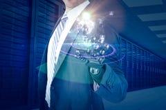 Σύνθετη εικόνα της γραφικής εικόνας υπολογιστών του επιχειρηματία με το ρομποτικό χέρι τρισδιάστατο Στοκ Εικόνα