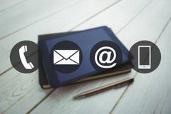 Σύνθετη εικόνα της επικοινωνίας apps Στοκ εικόνα με δικαίωμα ελεύθερης χρήσης