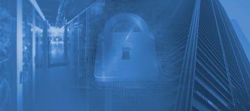 Σύνθετη εικόνα της κλειδαριάς στο μπλε υπόβαθρο κυκλωμάτων Στοκ Εικόνα