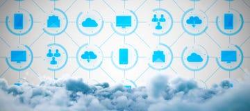Σύνθετη εικόνα της ψηφιακά σύνθετης εικόνας των σύννεφων θύελλας ελεύθερη απεικόνιση δικαιώματος