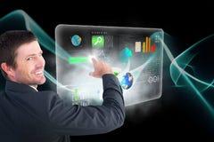 Σύνθετη εικόνα του επιχειρηματία που δείχνει με το δάχτυλό του τρισδιάστατο Στοκ Εικόνες