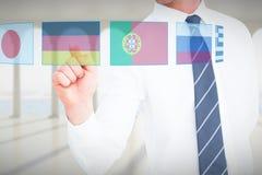 Σύνθετη εικόνα του επιχειρηματία που δείχνει με το δάχτυλό του Στοκ φωτογραφία με δικαίωμα ελεύθερης χρήσης