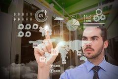 Σύνθετη εικόνα του επιχειρηματία που μετρά κάτι με τα δάχτυλά του Στοκ Εικόνες