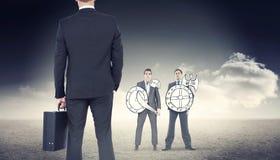 Σύνθετη εικόνα του επιχειρηματία που στέκεται με το χαρτοφύλακά του Στοκ φωτογραφία με δικαίωμα ελεύθερης χρήσης