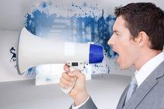 Σύνθετη εικόνα του επιχειρηματία που χρησιμοποιεί megaphone Στοκ Εικόνες
