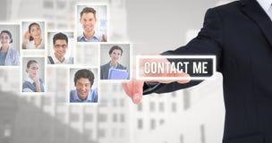 Σύνθετη εικόνα του επιχειρηματία στο κοστούμι που δείχνει το δάχτυλό του Στοκ Εικόνες