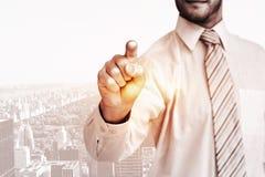 Σύνθετη εικόνα του επιχειρηματία στο πουκάμισο που δείχνει με το δάχτυλό του Στοκ Εικόνες