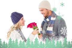 Σύνθετη εικόνα του ελκυστικού ατόμου στη χειμερινή μόδα που προσφέρει τα τριαντάφυλλα στη φίλη Στοκ Εικόνες