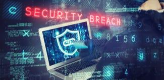 Σύνθετη εικόνα του μέσου τμήματος του θηλυκού χάκερ που χρησιμοποιεί το lap-top και την πιστωτική κάρτα Στοκ φωτογραφίες με δικαίωμα ελεύθερης χρήσης