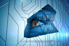 Σύνθετη εικόνα του ματιού και του δυαδικού κώδικα στην αφηρημένη οθόνη Στοκ Εικόνα