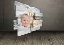 Σύνθετη εικόνα του μωρού μεγαλοφυίας στην αφηρημένη οθόνη Στοκ Φωτογραφίες