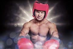 Σύνθετη εικόνα του πορτρέτου του μπόξερ με τα κόκκινα γάντια και το κάλυμμα Στοκ φωτογραφία με δικαίωμα ελεύθερης χρήσης