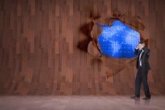 Σύνθετη εικόνα του τονισμένου επιχειρηματία με τα χέρια στο κεφάλι Στοκ εικόνα με δικαίωμα ελεύθερης χρήσης