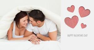 Σύνθετη εικόνα του χαριτωμένου ζεύγους βαλεντίνων Στοκ φωτογραφία με δικαίωμα ελεύθερης χρήσης