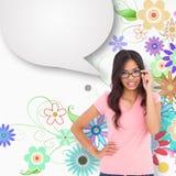 Σύνθετη εικόνα του όμορφου brunette που σκέφτεται με τη φυσαλίδα λόγου Στοκ Εικόνα