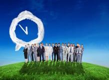 Σύνθετη εικόνα των επιχειρηματιών που στέκονται επάνω Στοκ εικόνα με δικαίωμα ελεύθερης χρήσης