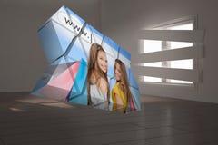 Σύνθετη εικόνα των κοριτσιών που ψωνίζουν στην αφηρημένη οθόνη Στοκ Φωτογραφία