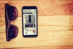 Σύνθετη εικόνα των μεγάφωνων την πώληση που επιδεικνύεται για ιστοσελίδας ελεύθερη απεικόνιση δικαιώματος