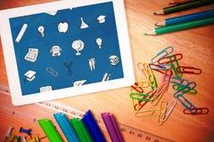 Σύνθετη εικόνα των σχολικών εικονιδίων Στοκ φωτογραφίες με δικαίωμα ελεύθερης χρήσης