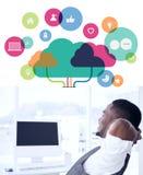 Σύνθετη εικόνα των apps και της έννοιας υπολογισμού σύννεφων Στοκ Εικόνες