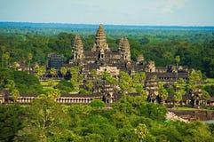 Σύνθετη, εναέρια άποψη ναών Wat Angkor η Καμπότζη συγκεντρώνει siem Μεγαλύτερο θρησκευτικό μνημείο στον κόσμο 162 6 εκτάρια στοκ φωτογραφία με δικαίωμα ελεύθερης χρήσης